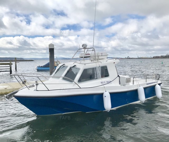 Offshore 25 long cabin - Volvo Penta D4 260hp - Very Little use - picture 1